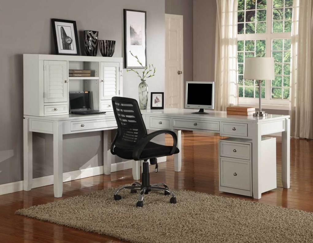 Home office decorating design ideas on a budget for small for Office desk layout ideas