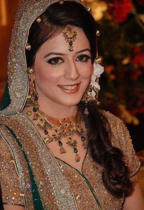 pakistani bridal hairstyle 2018 for mehndi barat walima