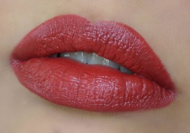 Latest Lipstick Color 2020 in Pakistan Best Brands Shades