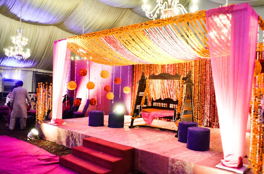 Henna Party Home Decorations : Mehndi stage decoration pics pakistani ideas